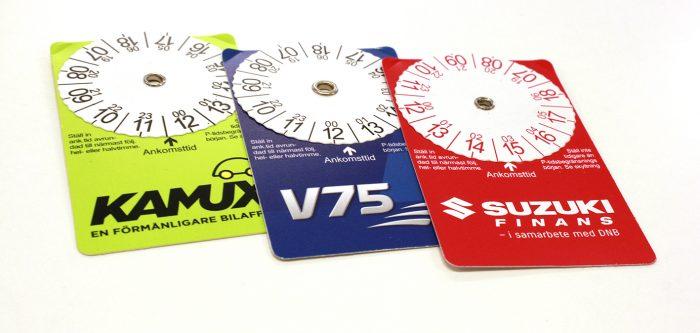 P-skivor i kreditkortsformat att klistra i bilens framruta