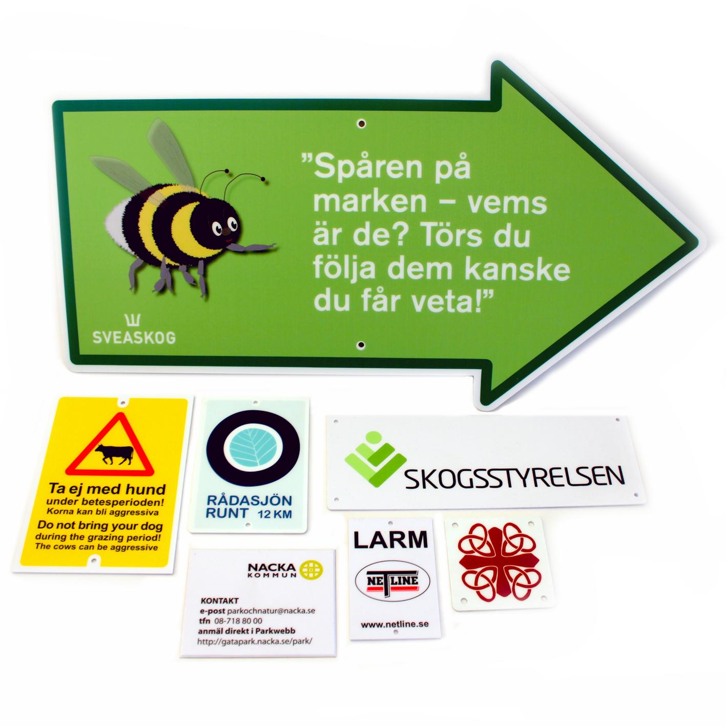 Plastskyltar med hög hållbarhet för reklam och information